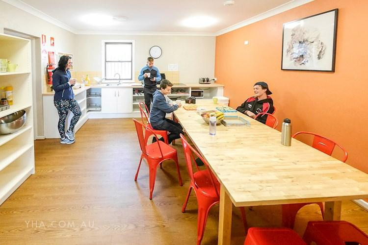 Mt Lofty YHA _kitchen_dining_family_2018 (9).JPG