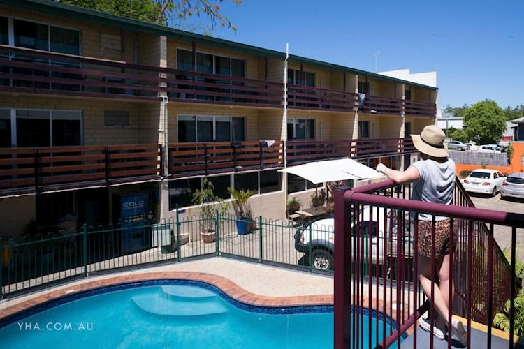 Airlie Beach YHA - Pool (20).jpg