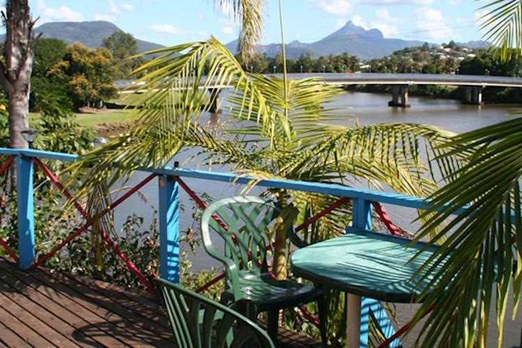 Murwillumbah YHA_balcony views.jpg