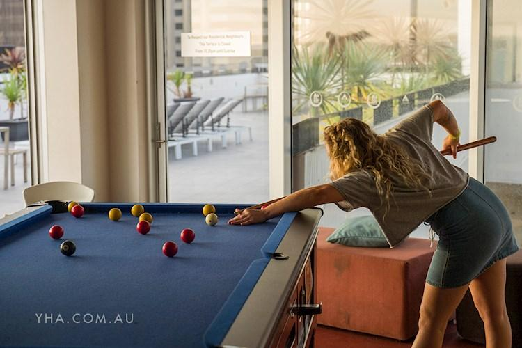 Sydney Harbour YHA - Rooftop Pool Table