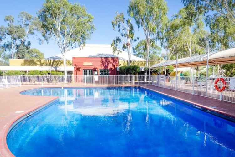 Ayers Rock YHA - Swimming pool