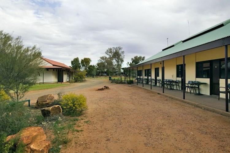 YHA Kings Canyon Holiday Park Hostel